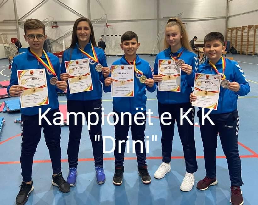 """Pesë medalje per K.K """"Drini"""" nga Struga (FOTO)"""