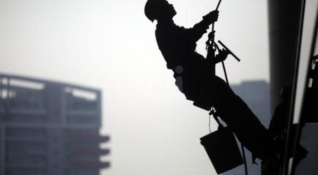 Një mërgimtar shqiptar humb jetën në Itali, bie nga 18 metra lartësi