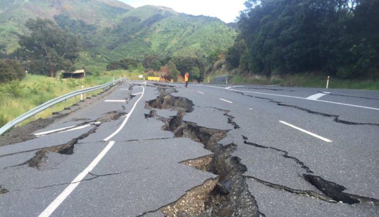Banorët e Zelandës së Re në panik pas tërmetit 7.4 ballë, alarm për cunam