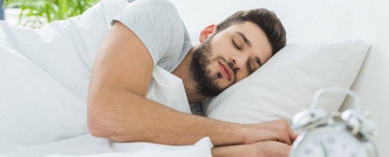 A na bën keq të hamë para gjumit?