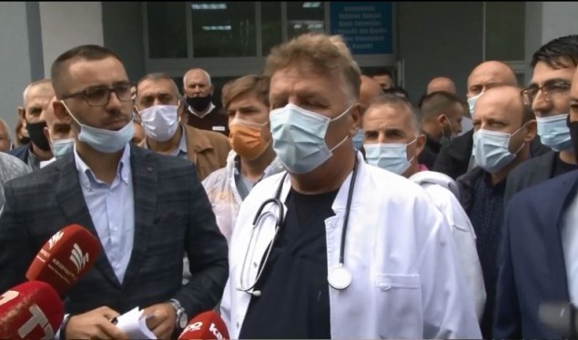Punëtorët teknikë shëndetësorë kërkojnë të përfshihen në pakon emergjente