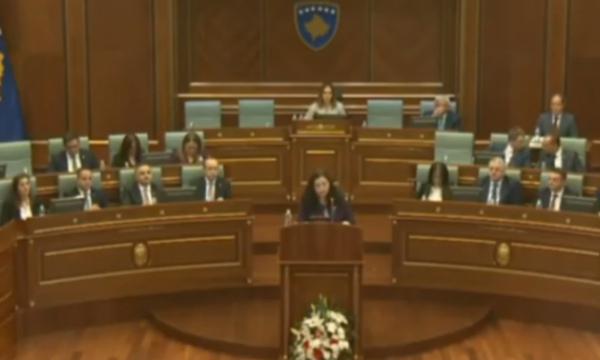 Vjosa Osmani: Shtëpia e Bardhë e ofroi njohjen reciproke Kosovë-Serbi por Qeveria Hoti e refuzoi