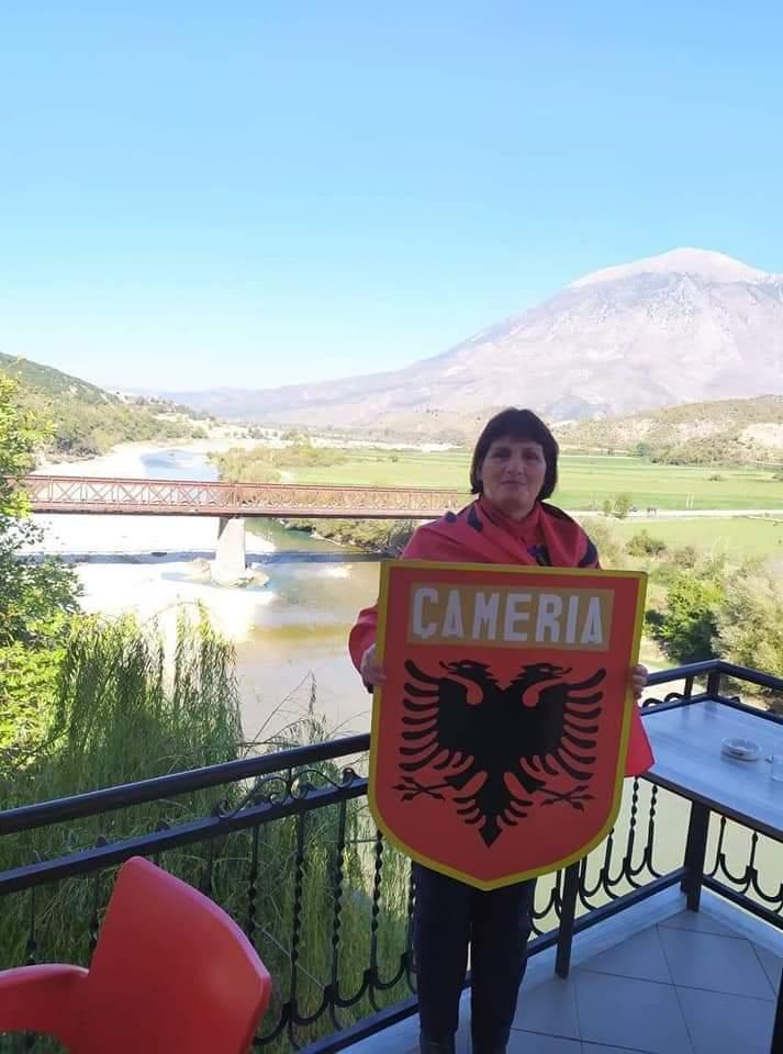 Shqiptarja Elida Jorgoni shpallet person i padeshiruar në Mal të Zi për shkak të Flamurit
