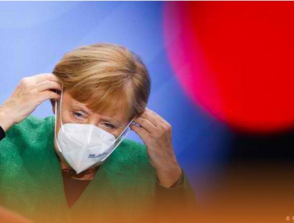 Merkel: Takoni sa më pak njerëz, pandemia është bërë më e egër