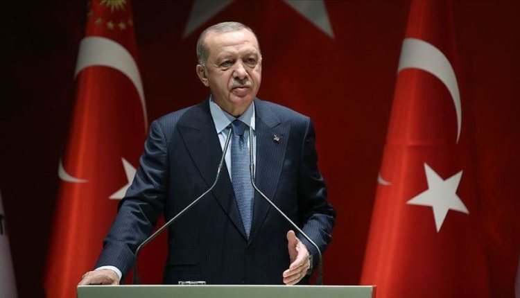 "Koronavirusi, Erdogan ""mbyll"" Turqinë"