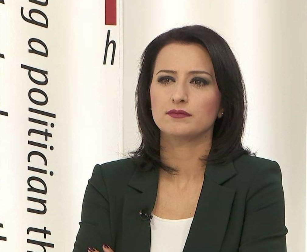 Gazetarja Arta Tahiri preket nga Covid-19 (FOTO)