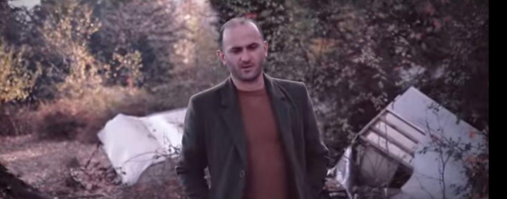 Këngëtari strugan, Guximtar Rushani: Para se vjeshta të mbarojë (VIDEO)