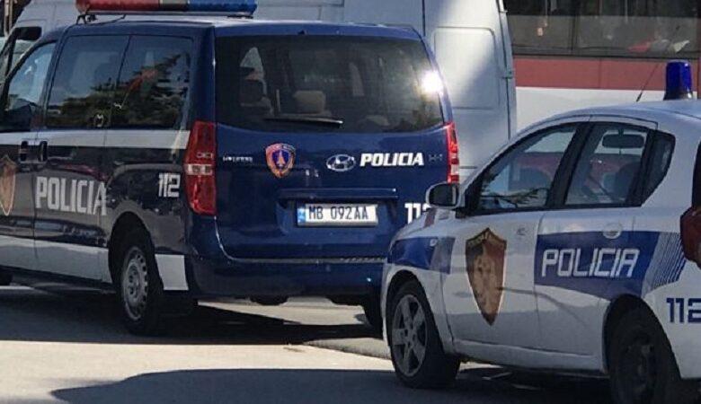 Tragjedi në Shqipëri: 59 vjeçari vret dy motrat