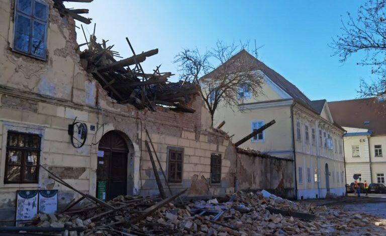 Pamje të frikshme nga Kroacia, pas tërmetit 6.4 ballë të shkallës Rihter në rajonin e Petrinjës