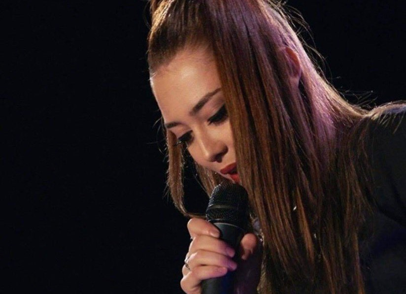 Këngëtarja strugane Leonora Ajdari, shumë shpejtë me dy projekte të reja