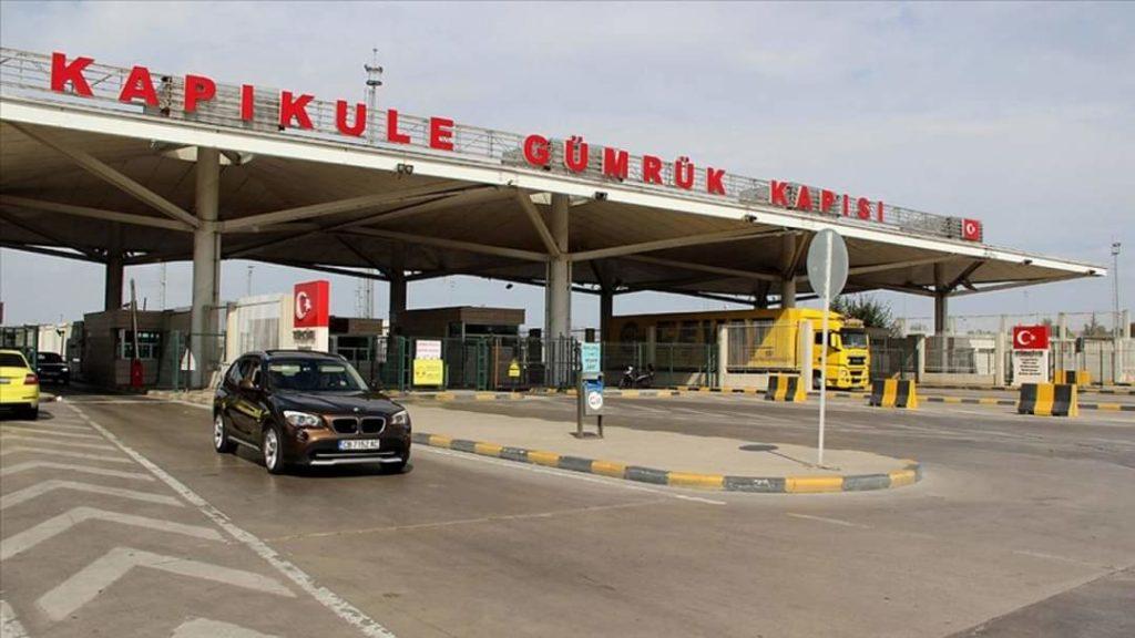 Mbetet në fuqi detyrimi për të paraqitur testin PCR kur hyn në Turqi