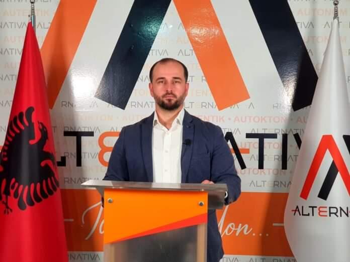 Koalicioni AlternAtivA dhe Aleanca për Shqiptarët: Paaftësia e Qeverisë për të siguruar vaksina po e sjell Beogradin me dy këmbë në Shkup