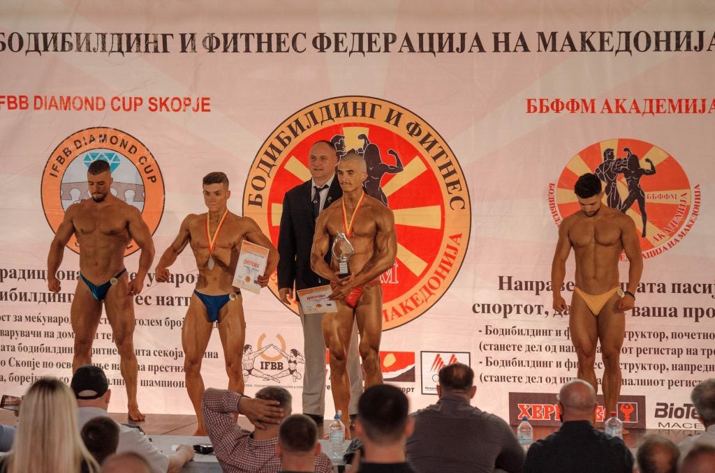 Rilind Koxhaxhiku, 19 vjeçari nga Veleshta shpallet kampion i Maqedonisë në bodybuilding (FOTO)