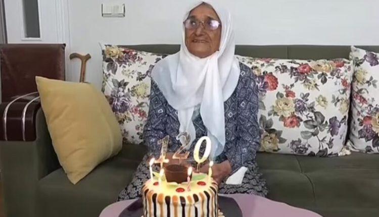 Gjalpë, djathë e mjaltë çdo ditë në tavolinë, turkja119 vjeçe që pretendon se është personi më i vjetër në botë