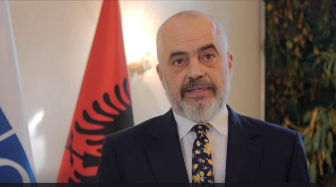 Edi Rama i uron mirëseardhje afganëve: Shtëpia e shqiptarit është e Zotit dhe e mikut